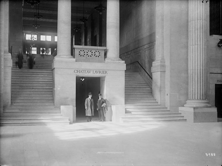 Photo of the interior of the Grand Trunk Railway Station, taken in 1916.